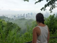 Vue depuis le Parque natural Metropolitano sur Panama City