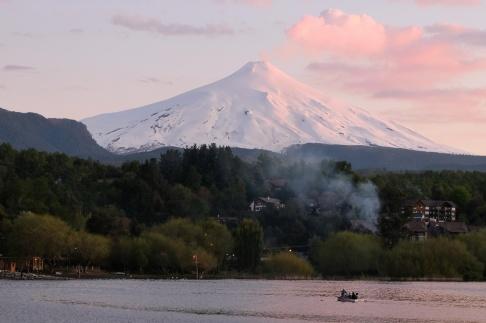 Volcan Villarica au coucher de soleil