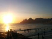 Coucher de soleil sur la plage d'Ipanema