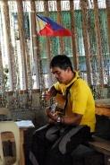 Ronie à la guitare
