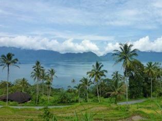 Route menant au lac maninjau