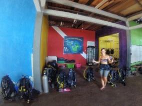 Dive shop, Pulau weh